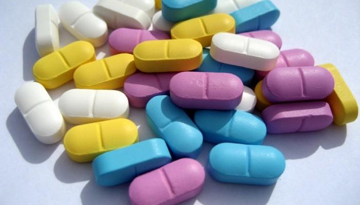 tabletki-ot-vypadenija-940x629
