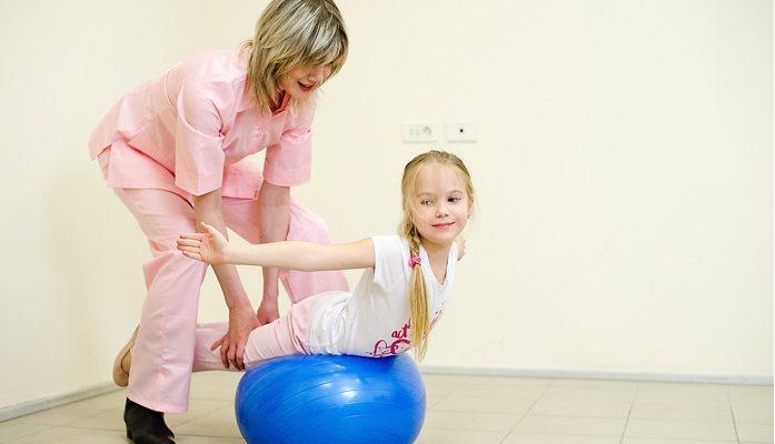 gimnastika-pri-skolioze-u-detej