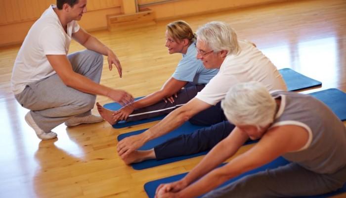 Изображение - Можно ли приседать при артрозе коленных суставов LFK-pri-artroze-kolennogo-sustava-700x400