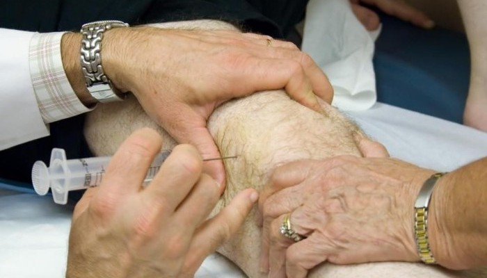 Injections_in_the_knee_1-e1440827898922-700x400