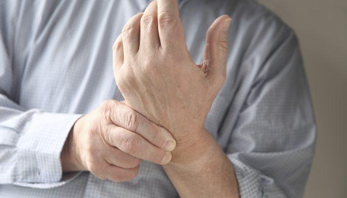 Изображение - Артрит суставов на рентгене kak-lechit-sustav-bolshogo-palca-na-ruke-1-700x400